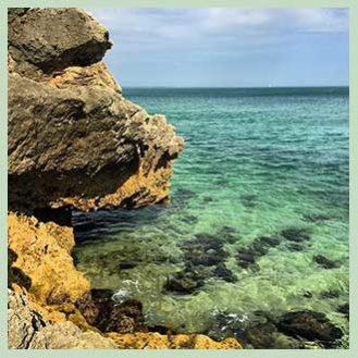 HOW Campers - Instagram - Rocky Beach Algarve